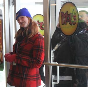 Moe's Opening 001