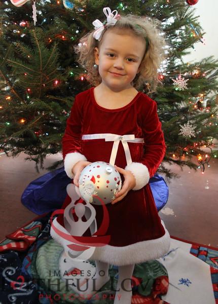 Dean Family Christmas 12-21-13