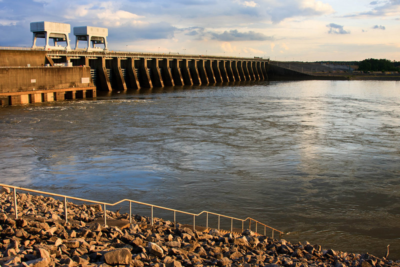 1113   Kentucky Lake & Dam Late Afternoon