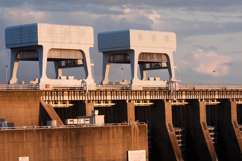 1236  Locks At KY Dam