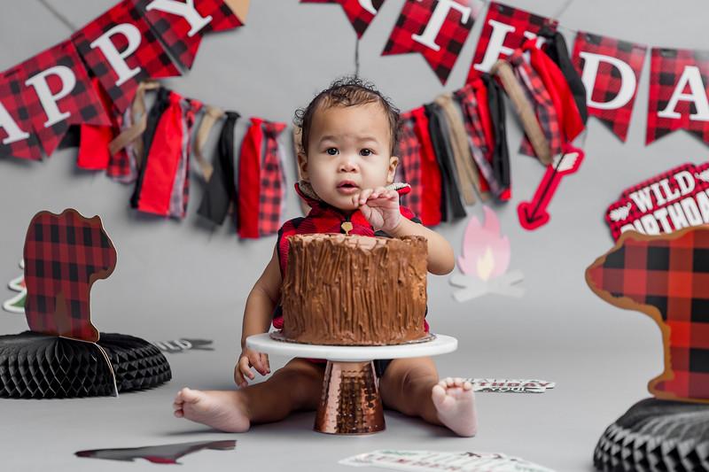 Miles cake smash-3.jpg