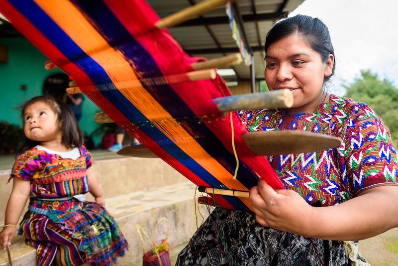 Kelly Giardina - Project Somos - Weaving Photos-0008