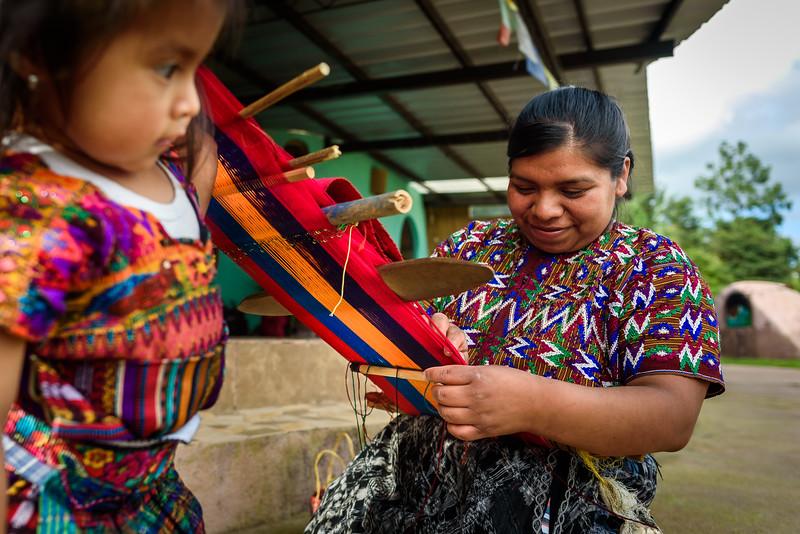 Kelly Giardina - Project Somos - Weaving Photos-0012