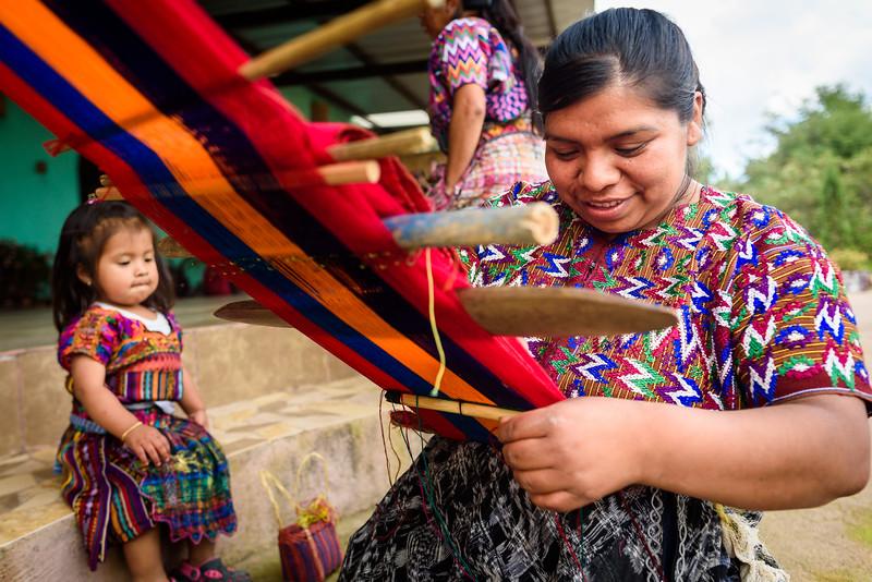 Kelly Giardina - Project Somos - Weaving Photos-0007