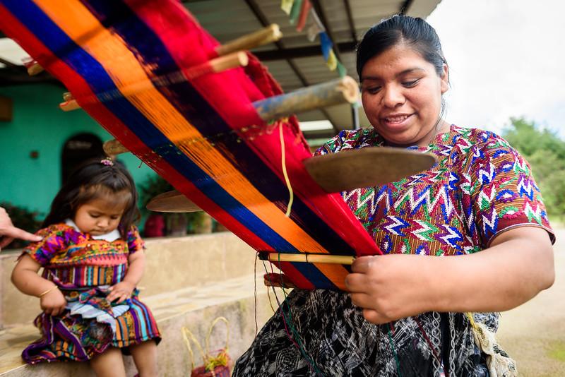 Kelly Giardina - Project Somos - Weaving Photos-0010