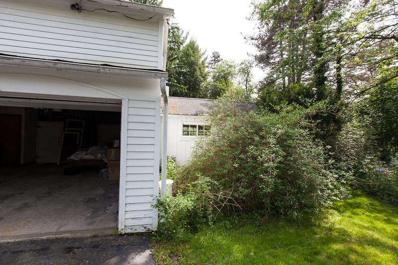 Workshop off of garage