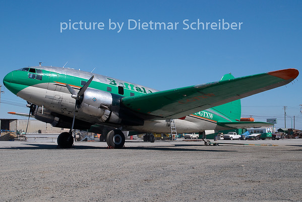 2009-05-29 C-GTXW Curtiss C46 Buffalo Airways