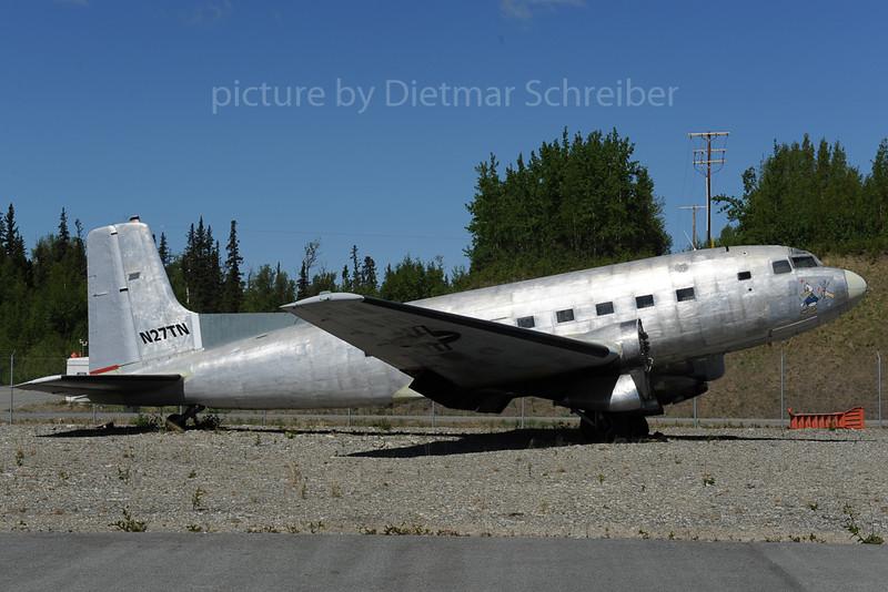2013-06-06 N27TN Douglas DC3 / C117