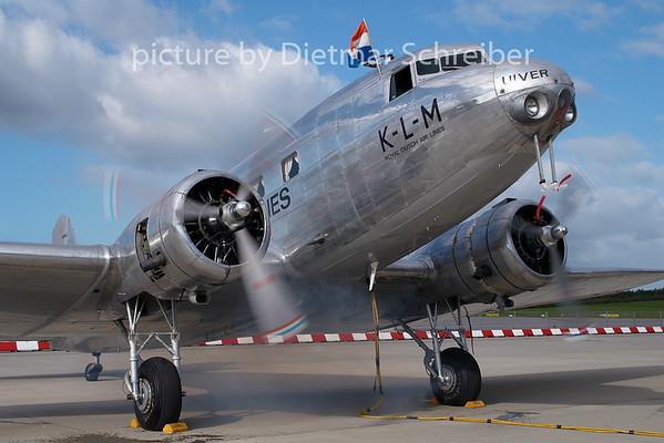 2007-09-15 N39165 (PH-AJU) Douglas DC2 KLM