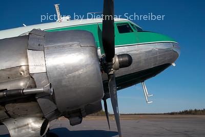 2009-05-29  C-FLFR Douglas DC3 Buffalo AIrways