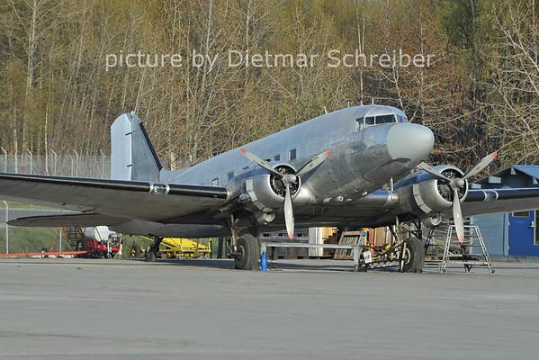 2012-05-15 N272R Douglas DC3 Desert Air