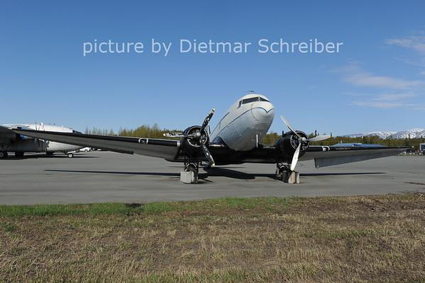 2012-05-18 N305SF Douglas DC3