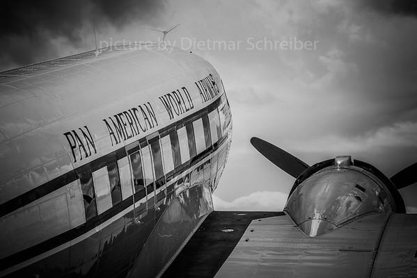 2019-06-08 N33611 Douglas DC3 Pan AMerican