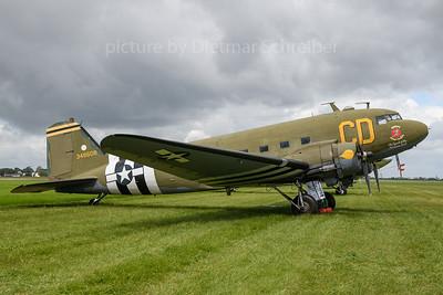 2019-06-08 N47SJ (348608) Douglas DC3 Betsys Biscuit Bomber