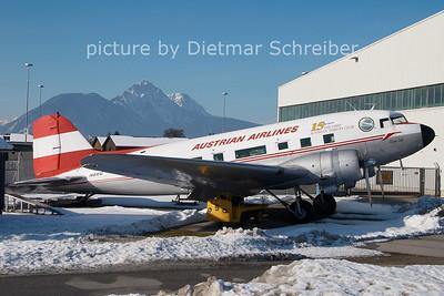 2011-02-05 N86U Douglas DC3