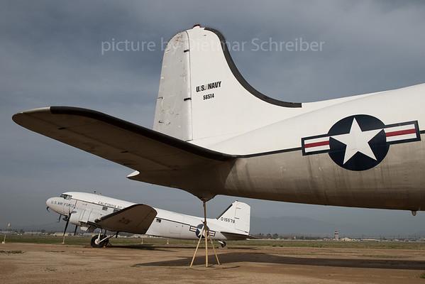 2016-03-03 N67062 (painted as 56514) DC4 USAF