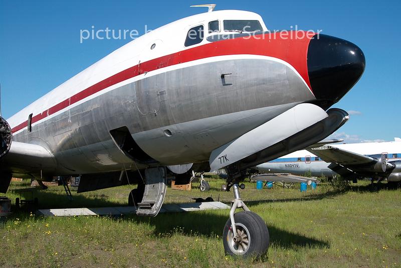 2010-06-14 N1377K Douglas DC6