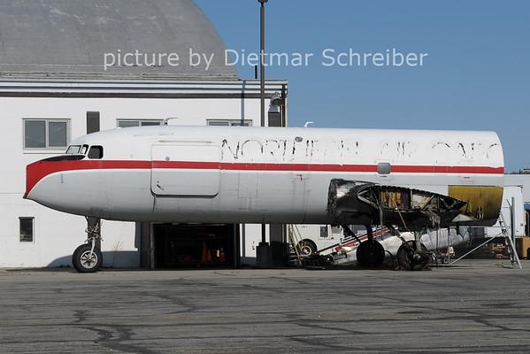 2012-05-17 N2907F Douglas DC6