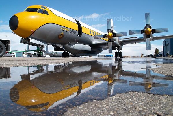 2007-04-28 C-GHZI Lockheed L188 Electra Air Spray