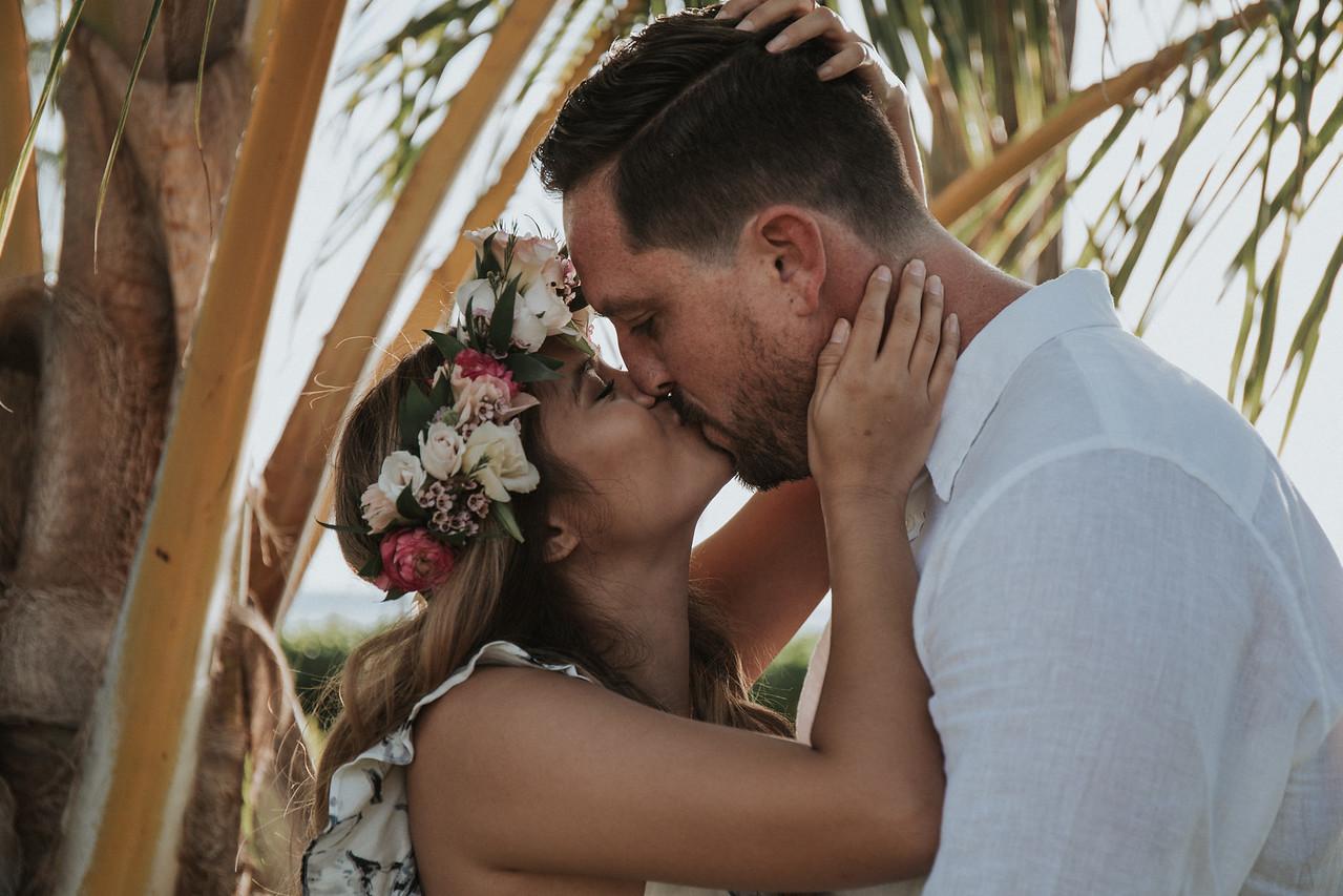 SURPRISE PROPOSAL IN HAWAII <br> Amber & Evan