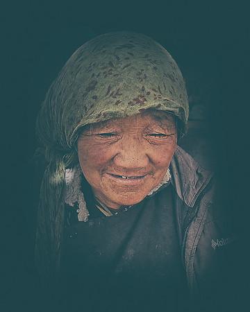 Himalaya Kiosk Lady