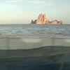 Acción marina de Greenpeace en aguas de Ibiza para denunciar los peligros de las prospecciones petrolíferas