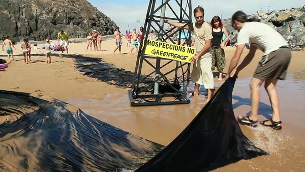Acción de Greenpeace en Tenerife contra las prospecciones