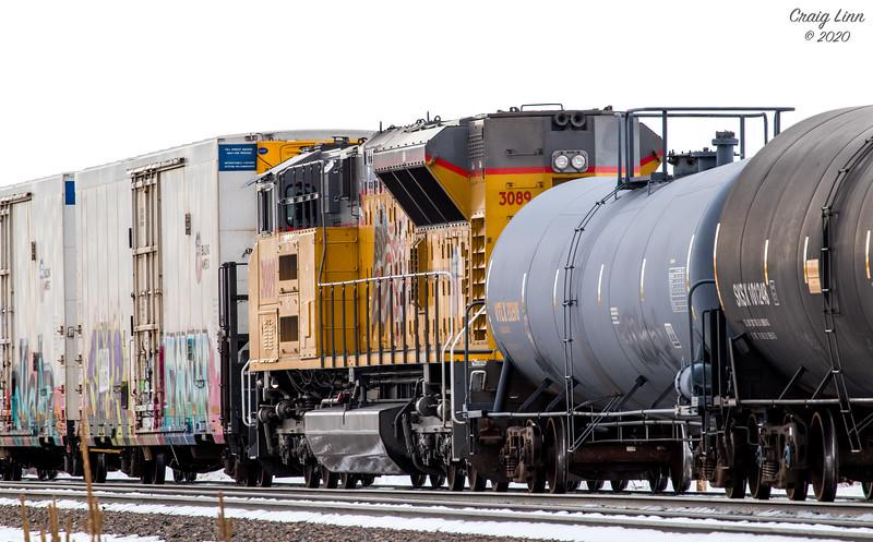UP 3089 - Mid Train Helper