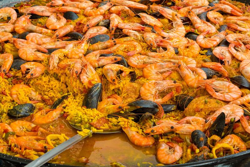 Paella at Moret-sur-Loing Market