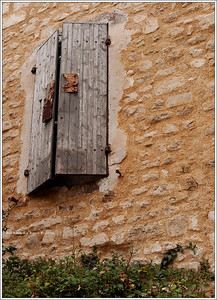 Window to Le Beaucet