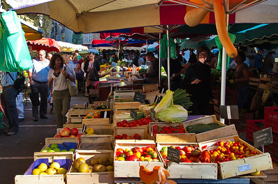 From this photograph you can get some idea of the depth of the market.
