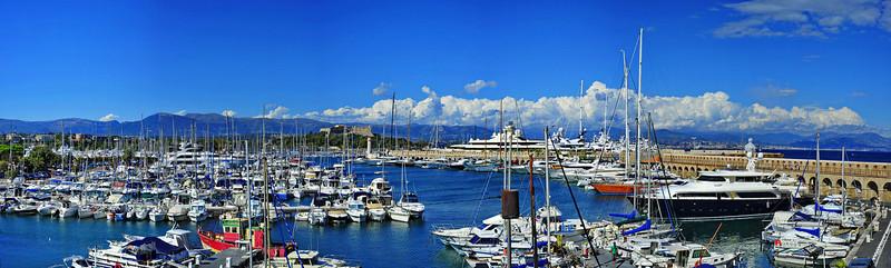 Antibes_yacht_basin_Panorama_D3S3767