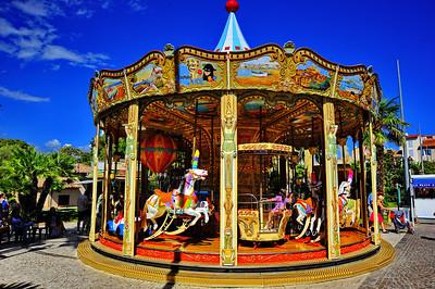Antibes_Merry-go-round_D3S3744