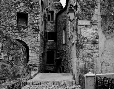 Peillon_Entrance_Walkway_B&W_LAN2520_11x14