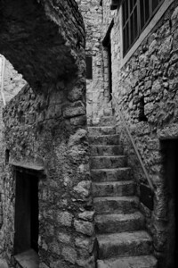 Peillon_Stairs-Up 2 door_LAN2536_B&W