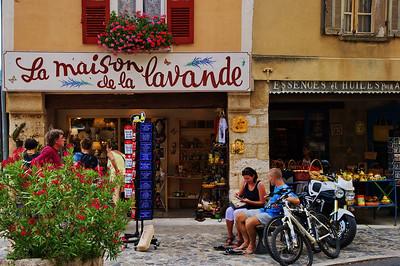 Moustiers-Saint-Marie_La_Maison_de_la_Lavande_LAN2162