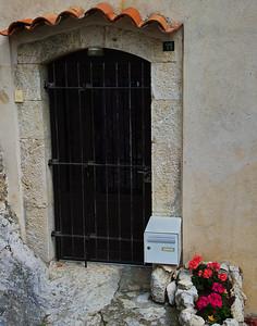 Coursegoules_Roof_Door_LAN4428-11X14