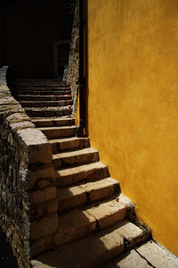 Coursegoules_Curved-stairway_LAN4398