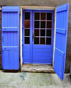 Entrevaux_blue-door_HDR3796