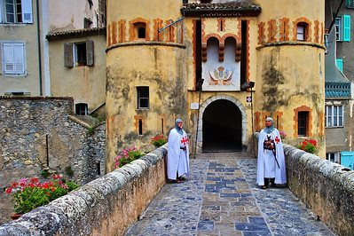 The main gate of Entrevaux was guarded by two Knights Templar, complete with swords.
