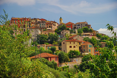 Falicon is an ancient, perched village that sits on a rocky ridge.  The area has rugged rocky gorges, forests and hills and is only 10 km from the center of Nice. However, Falicon seems as isolated as some of the other villages we visited.