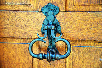 Falicon door knocker