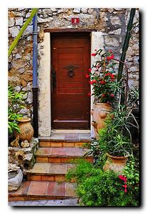 Tourrettes_French_door-No2-print border_D3S3879