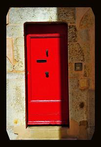 Vence_red-door border_D3S3730