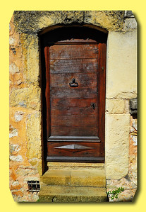 Tourrettes_French_door border_D3S3899
