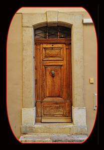 Vence_arched-door border_D3S3724