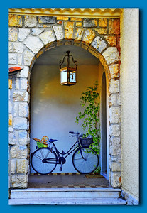 Vence_bicycle border_D3S0135