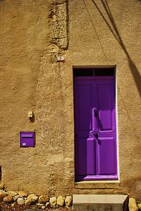 Valensole_No 3_Purple-door_LAN2093