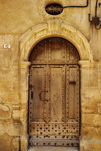 Valensole_Medieval_door_LAN2079