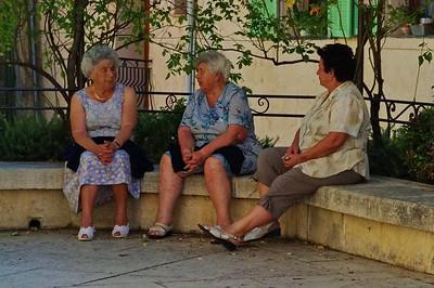 Afternoon social talk, LeBroc